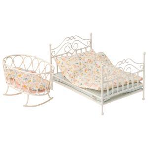 Maileg - 11-0105-00 - Cradle w. sleeping bag, Micro - Off-white  - Taille 9 cm - à partir de 36 mois (421696)