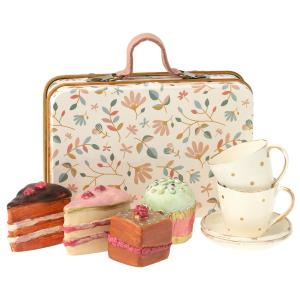 Maileg - 11-0300-00 - Cake set in suitcase - Taille 7 cm - à partir de 36 mois (421822)