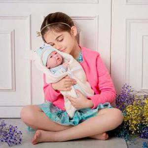 Berenguer - 18790 - Blue Soft Body Le Newborn dans Bear Bunting et accessoires. Corps souple nouveau-né. Costume bleu avec couverture. (451890)