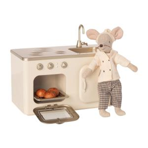 Maileg - BU047 - Cuisine miniature avec poupée chef - 15 cm (456344)