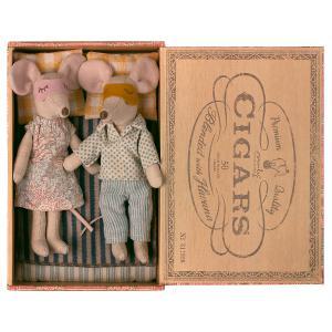 Maileg - 16-1740-01 - Maman & Papa Souris dans leur boîte à cigares, taille : H : 17 cm  (460922)